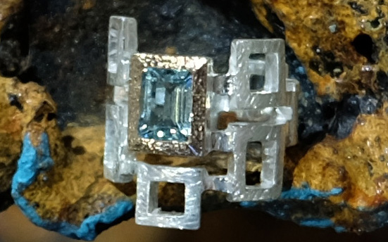 aquamarine in 24ct gold & silver ring