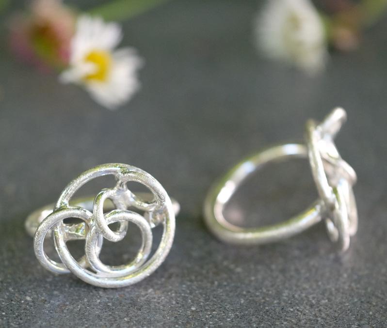 circle-design-silver-ring