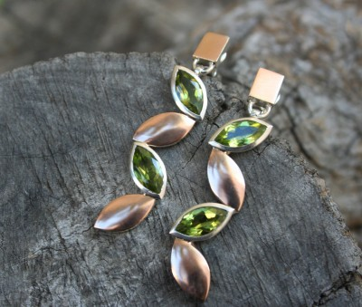 rose gold and peridot earrings