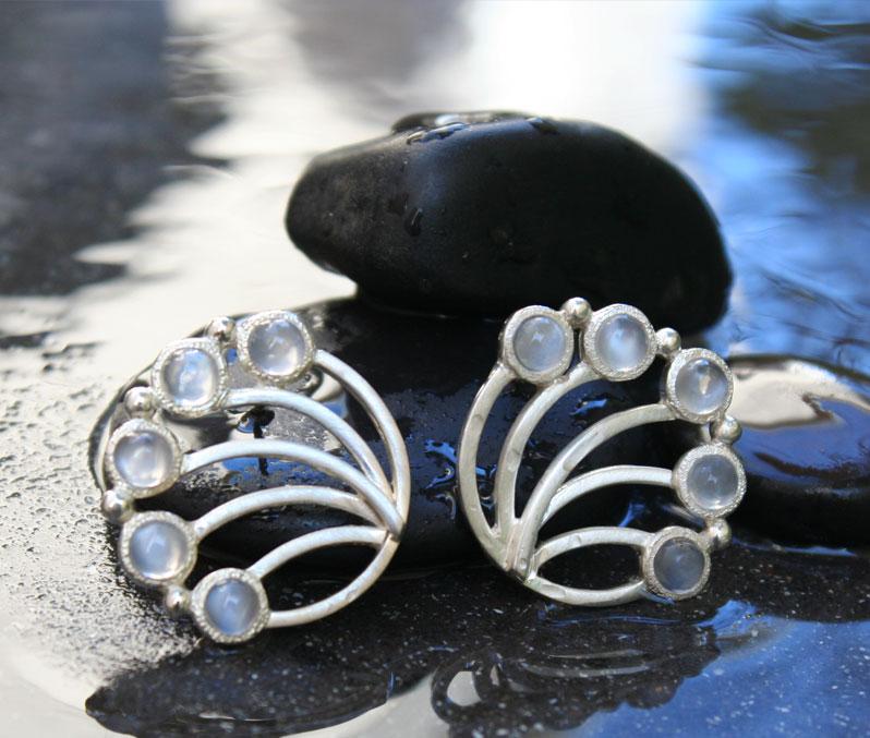 moonstone-moonrise-design-earrings